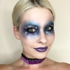 paint a sketch of stars across your face for the dreamiest outofthisworld look