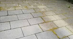 groene aanslag tegels verwijderen