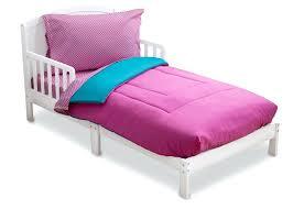 wonderful blue toddler bedding delta children blue and pink blue zoo toddler bedding
