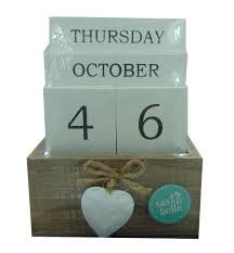perpetual wooden block calendar hearts shabby chic chunky office home day date