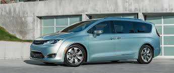 2017 Chrysler Pacifica Seeks To Reinvent The Minivan 2016