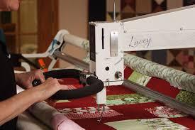 APQS longarm quilting machines | APQS & Lucey Adamdwight.com