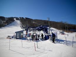 snowboarding in new brunswick at crabbe mountain i backpack crabbe mountain chairlift