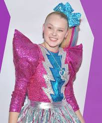 jojo siwa s makeup kit at claire s was recalled for conning asbestos