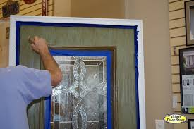 painting front doorFaux Painting a fiberglass door with color and woodgrain  The