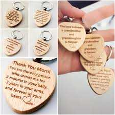 2019 laser wood high quality key chain mother s day jewelry gift for mom father s day gifts heart shaped tag birthday present for grandma and gra from