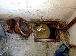 causes of sewer smell in house or
