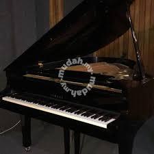 yamaha baby grand piano. yamaha baby grand piano (used) p