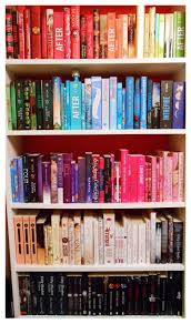 I re-organized my rainbow bookshelf and...it's so beautiful, isn