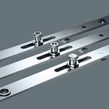 Comalfer  CIERRE PULSADOR CORREDERA PLATASeguros Para Ventanas De Aluminio