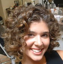 short curly hairstyles round faces