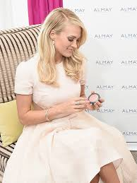 carrie underwood admits she always wears makeup even when she s hanging at home