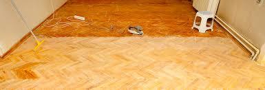 Um den lack vom fußboden zu entfernen bleibt nur ein strahlverfahren. Parkett Abschleifen Und Versiegeln Let S Doit Holzprofi