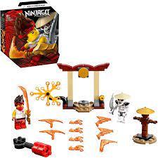 LEGO 71730 NINJAGO Battle Set: Kai vs. Skulkin mit Actionkreisel:  Amazon.de: Spielzeug