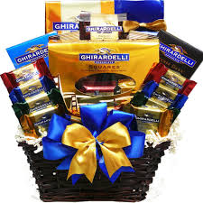 Amazon.com : Ghirardelli Chocolate Lovers Gift Basket : Gourmet ...