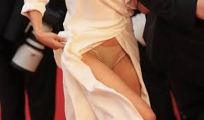 Photos Oops la culotte sexy de Sophie Marceau au Festival de.