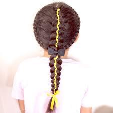 リボンを使った五つ編みのハートヘアアレンジ 女の子のママ必見