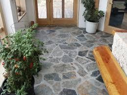 15 stone foyer