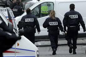 فرنسا - اعتقال سائق دهس رواد مطعم بيتزا وقتل طفلة واصاب ثمانية آخرين