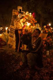 best images about d iacute a de muertos day of the dead remembering all those that have left us in body but not in spirit if i burn the candles it means not only giving you light it means to show you the fire