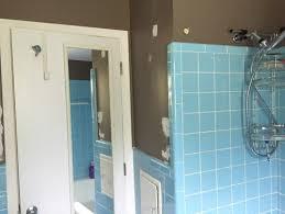 tile paint colorsVintage blue tile in bathroomwhat color to paint walls