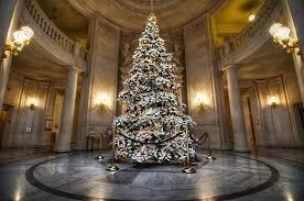 FileUnion Square San Francisco December 2016jpg  Wikimedia CommonsChristmas Tree In San Francisco