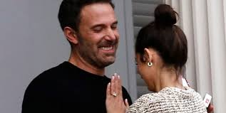 Ben affleck and ana de armas's romance continues to blossom. Ben Affleck And Ana De Armas Cozy Up But Are They Engaged