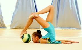 Художественная гимнастика грация и спорт Детская художественная гимнастика способствует гармоничному физиологическому развитию помогает развиваться эстетически формирует вкус