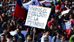 Decenas de miles marchan por la educación y contra la corrupción en Chile | América Latina | DW | 16.04.2015