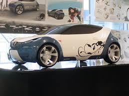 Шоу дипломных проектов umea institute of design Швеция  Самый крупный макет представленный на выставке выполнен в масштабе 1 2 5 Южо Вонг из Китая при поддержке компании peugeot спроектировала автомобиль