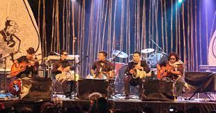 13) adalah suatu seni budaya yang sejak lama turun temurun telah hidup dan berkembang pada daerah tertentu. Menggelar Pertunjukan Musik Sejarah Indonesia Web Sejarah Sejarah Dunia