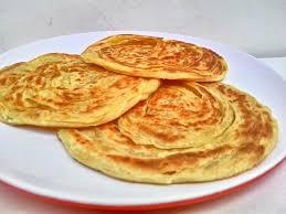 Di negara asalnya, roti maryam biasanya disantap dengan kari kambing untuk menambah cita rasa yang gurih. Resep Roti Maryam Empuk Dan Lezat Mesin Sakti