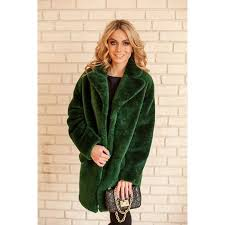 Красивая шуба глубокого зеленого цвета для любителей ...