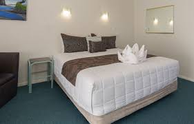 Palm Court Bedroom Furniture Palm Court Rotorua Motels In Rotorua With Private Spa