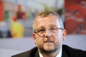 Club de Valenciennes: <b>Jean-Raymond</b> Legrand succède à Francis Decourrière - 153708_jean-raymond-legrand-nouveau-president-de-valenciennes-lors-d-une-conference-de-presse-a-valencienne-le-28-juillet-2011