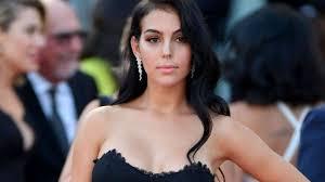Sanremo 2020, Georgina Rodriguez in bilico: avrebbe chiesto ...