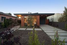 Lovely Mid Century Modern Homes With Gorgeous Midcentury Garden Ideas  Inspiration Design Of Extravagant Wooden Landscaping