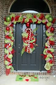 Candy Cane Outdoor Christmas Decorations 60 Creative Front Porch Christmas Decorating Ideas Christmas 41
