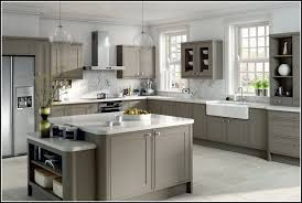 Wall Colors That Go With Grey Cabinets Savae Org