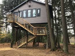 Luxurious tree house Build In Brand New Luxury Tree House Vrbocom Brand New Luxury Tree House Vrbo