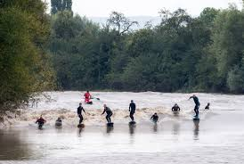 Hundreds watch as surfers ride 10m 'five star' wave at River Severn | Metro  News