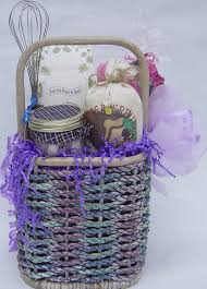 what to put in a cooking gift basket