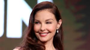 Actress ashley judd attends the women's media center 2017 women's media awards at capitale today, five months and three weeks after the accident in the congolese rainforest, i walked again. Ashley Judd Reveals Grueling 55 Hour Odyssey After Injuring Her Leg Variety