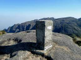 Datei:Marco no cume da Pedra do Sino - panoramio.jpg – Wikipedia