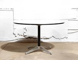 eames round dining table 1