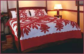 Hawaiian Quilts by Gr8 HAWAIIAN GIFT COMPANY & This quilt extends effortlessly across the bed and down the sides. When  quilted in traditional bold Hawaiian ... Adamdwight.com