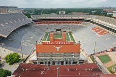 Vues A?riennes De Darrell K Royal-Texas Memorial Stadium Sur Le Campus De  L'Universit? Du Texas Image stock éditorial - Image du texas, darrell:  147874764