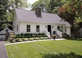 simple landscaping ideas. Country Styled Home Design With Large Simple Landscaping Ideas For Front Yard Using White Exterior Wall Color C