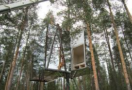 invisible tree house hotel. Being Lifted Into Position Invisible Tree House Hotel I