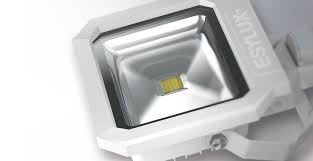 50 W / CLEAR / 3000 K / 227 x 252 mm / <b>110</b>° - ESYLUX